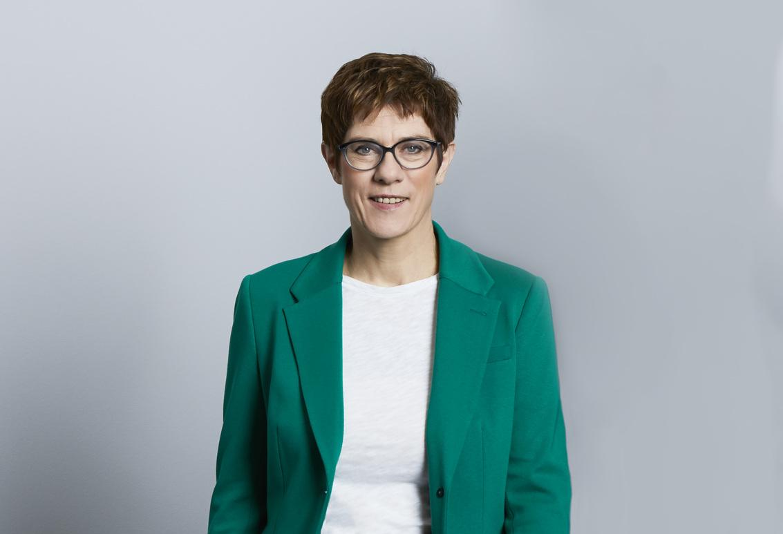 Annegret Kramp-Karrenbauer ist neue Verteidigungsministerin